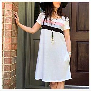 Color block side pocket dress.